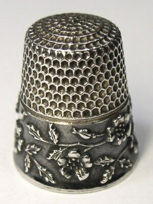 Antique Waite Thresher Co. Sterling Silver Thimble Wild Roses Buds & Leaves