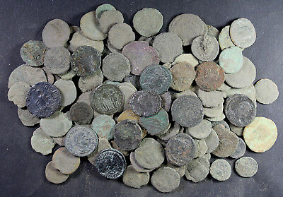 Bulk-Lot, 120 mainly uncleaned Roman Imperial coins, 3rd to 4th Century A.D.