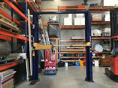 """Car Hoist Formula Made in Australia 3800kg owned by Ford hence the """"29"""""""