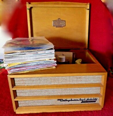 Vintage 1955 Rca Victor Automatic 45 Victrola Portable Phonograph And Records