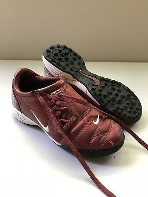 e3513fe485b7 Nike Boys YOUTH Maroon Shoot Total 90 TURF INDOOR Soccer Shoes - Size 12C