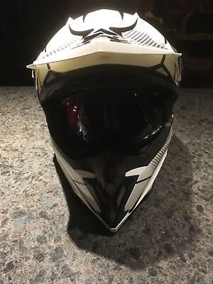 White CKX Dot Helmet WITH Polaris Goggles With Travel Bag