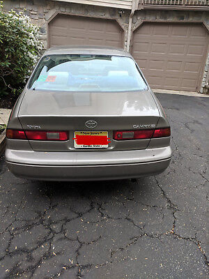 1998 Toyota Camry  1998 toyota camry le