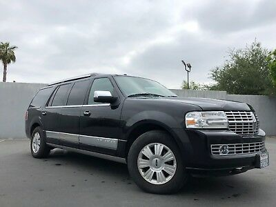 2014 Lincoln Navigator  2014 30 inch stretched raised roof power step