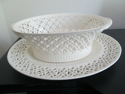 Leeds Classical Creamware Leedsware Large Reticulated Bowl on Stand