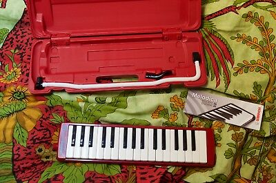 Hohner Melodica Student 32 in rot, guter Zustand