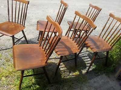Lot de 12 chaises bistrot vintage