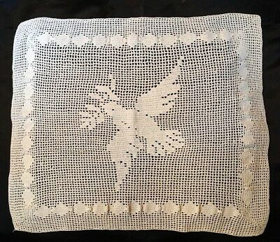 """ANT FIGURAL CROCHET FILET LACE DOILY RUNNER~DOVE OF PEACE & LOVE~16.5""""  x 13""""!"""