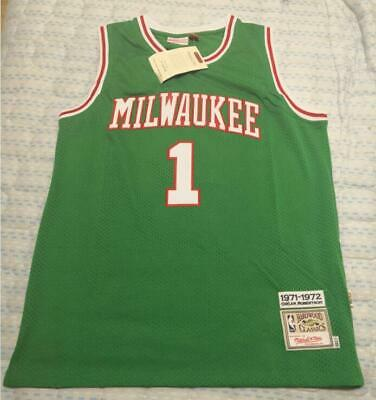 best website 7f9e4 038b9 OSCAR ROBERTSON MILWAUKEE Bucks Mitchell & Ness 1970-71 ...