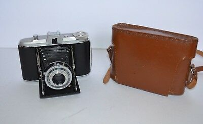 Vintage Agfa Ventura Deluxe Camera with Leather Case Untested