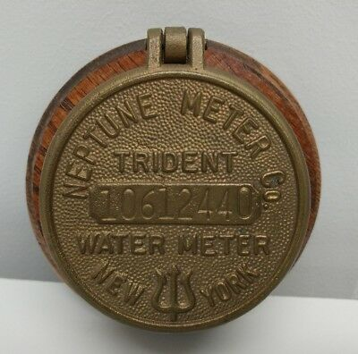 NEPTUNE TRIDENT WATER METER PAPERWEIGHT BOX VINTAGE BRASS on WOOD BASE NEW YORK