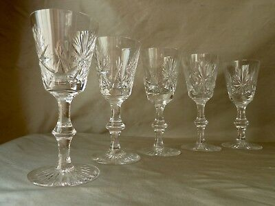 "5 Edinburgh Crystal ""star Of Edinburgh"" Wine Glasses,  2 Signed With Old Mark"