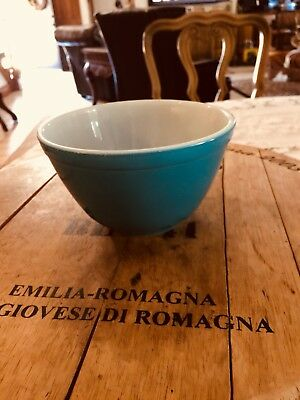 Vintage 401 Pyrex Blue Mixing Bowl 1.5 Pint