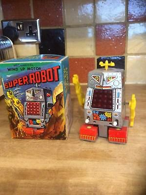 Robot original made in Japan 1960 very nice condition original box hard to find