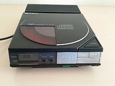 Vintage SONY D-50 Discman Compact CD Player + AC-D50 Power Supply.