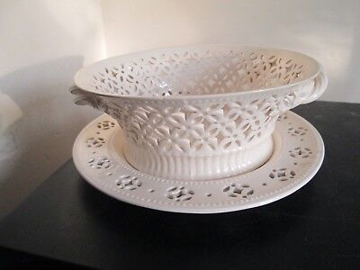 Leeds Classical Creamware Leedsware Reticulated Bowl on Stand