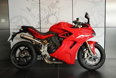 2017, 67 Ducati Supersport S Red