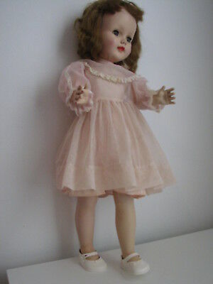 "Vintage 'Sweet Sue' Walker Doll, 24"" / 61 cm by American Character Dolls. 1950s"