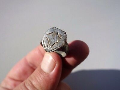 ancient Medieval - Crusade solid silver carved ring displayed lily