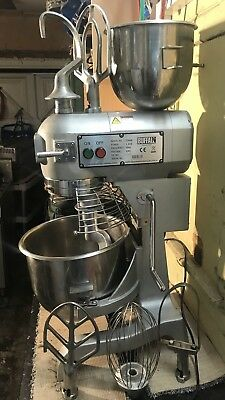 Buffalo  Dough Mixer 20qt Commercial Mixer Comes With 2 Size Bowls 6 Attachments