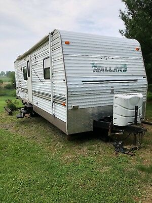 2004 fleetwood mallard 28 ft RV