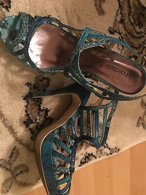 Very nice 4 inch heels ,sexy and feels good on your feet
