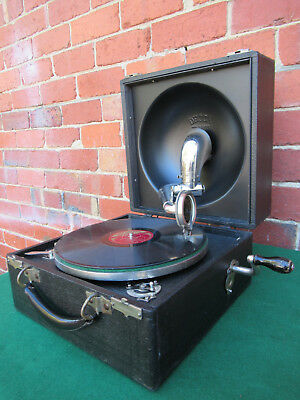 Vintage Gramophone Phonograph Decca Portable Model C1928   *Lovely Condition*