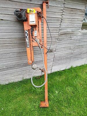 Lucas electric 12 volt swing lift 150kg hoist, crane.