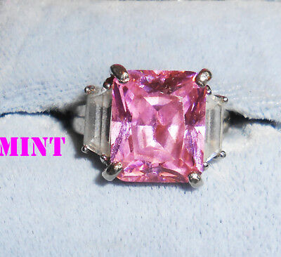 Pretty Vintage Pink Glass Chunky Ring Beautiful Condition Size 7 No Flaws