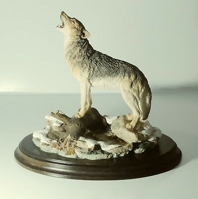 Large Howling Wolf Figurine Made England Country Artists CA 642 Ships FREE