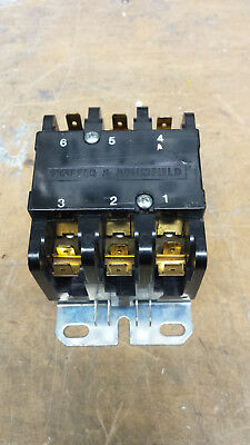 Potter & Brumfield P31-1006-1 35 Amp 600 Volt 3 phase contactor with 24VDC coil