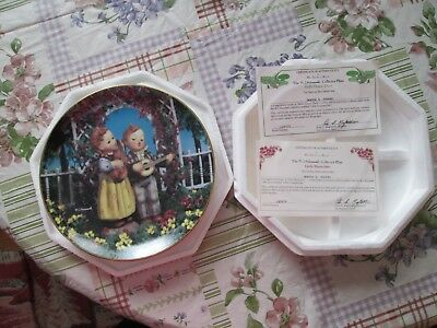 "MJ. Hummel ""Little Musicians"" Collector Plate By The Danbury Mint 1990 #LQ9478"