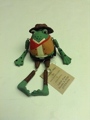 Grandmas Attic Country Gifts and collectibles Wood Frog