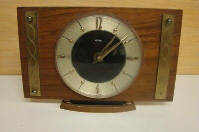 D133 Vintage Metamec Mantle Clock Movement goes but not tested for any period of