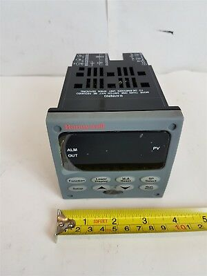 Honeywell UDC2500-RE-3A00-200-00000-E0-0 Temperature Controller 90-250VAC - New