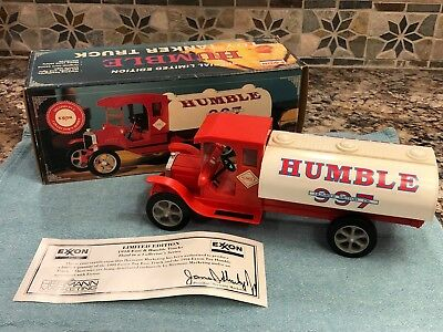 Exxon Humble Motor Oil 997 Toy Tanker Truck 1918 w/ Lights & Sound Made 1994