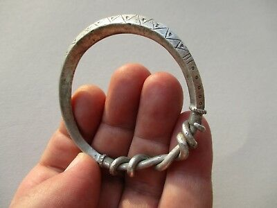 silver Vikings wire twisted bracelet,decorating with hammered & carved triangles