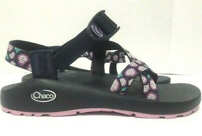 1932a1835fce EUC WOMENS SIZE 8 Classic Chacos Sport Sandals Strap On Barely Worn ...