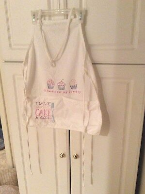 Design Works Crafts Inc, White Apron W/ Cupcakes,100% Cotton,one Sz, Pre-Owned