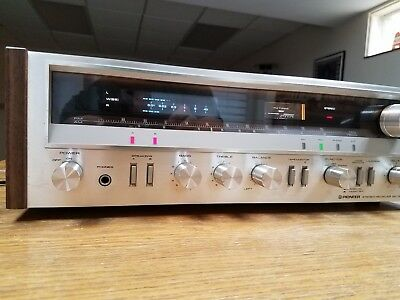 Vintage Pioneer SX-720 Stereo Receiver, very clean, great performance.