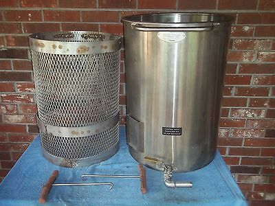 Oscar Fisher Round Stainless Steel Tank w Basket Large Approx 25  Gallons
