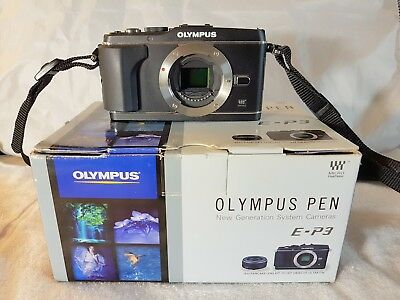 Excellent Condition! Olympus E-P3 M4/3 Digital Camera with Accessories.