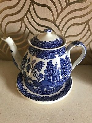 Beautiful Wedgwood Willow Patten Teapot & Stand