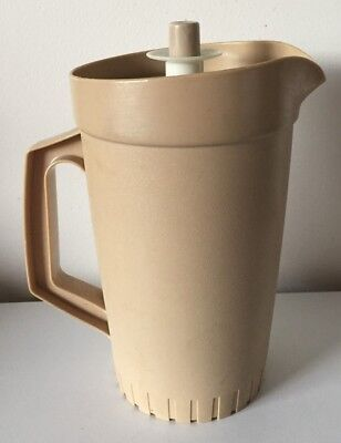 Vintage Retro Tupperware Press Seal Jug Water Pitcher with Water Tight Lid