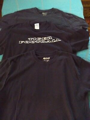 gildan men's t-shirts size m (lot of 3)