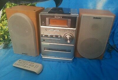 Sony Compact disc/radio with Philips 2 speakers & remote control