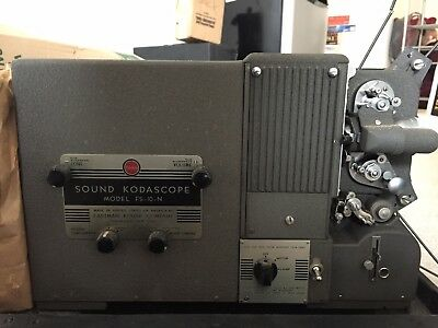 Vintage Kodak Sound Kodascope Fs-10-N Projector With Speaker And Carrying Cases