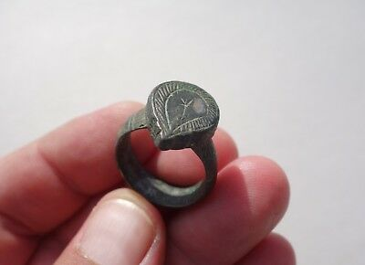 ancient late Roman / Byzantine solid bronze beautiful carved ring,with star