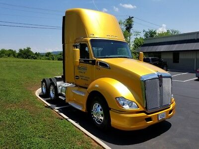 Semi - Conventional Daycab