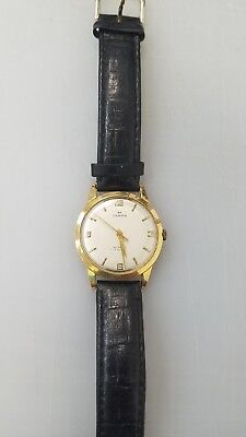 17 Jewels (Rubis) solid 18 k gold mens watch working good.